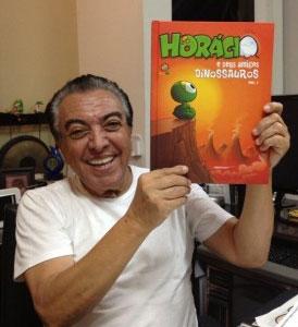 Mauricio de Souza com a primeira revista do Horácio